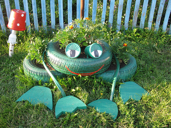 motamem_org_Repurpose-Old-Tire-into-Animal-Themed-Garden-Decor-11