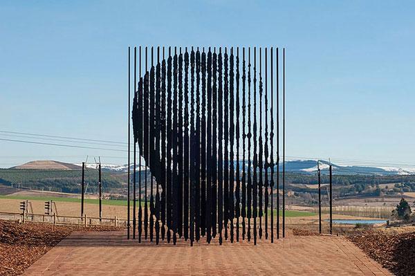 مجسمه نلسون ماندلا-آفریقای جنوبی