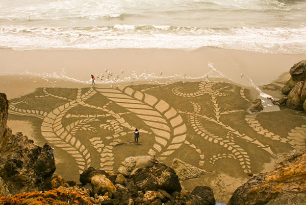 beach-sand-paintings-andres-amador-11
