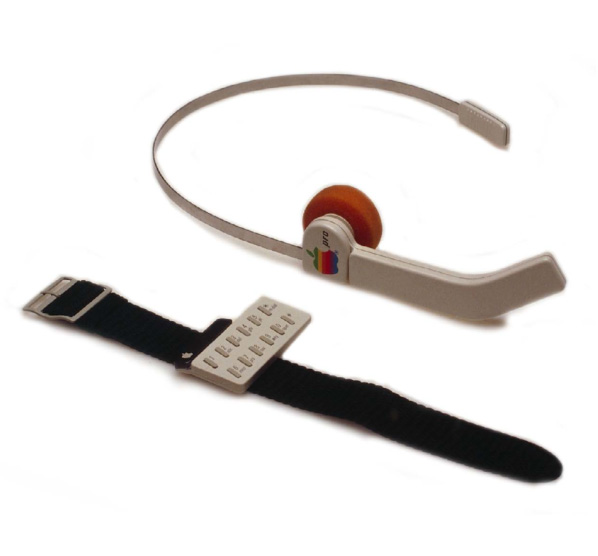 hartmut-apple-6-watch-headset