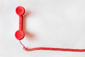 تماس تلفنی سرد یا تماس سرد به معنی ارتباط با مخاطبی است که او را چندان نمی شناسیم