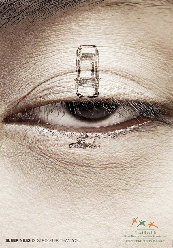 استفاده از تلفن همراه هنگام رانندگی