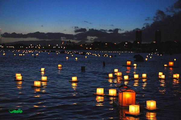 Floating_Lanterns_Festival_motamem_org_5