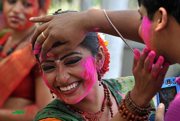 جشنواره رنگ در آغاز فصل بهار در هند