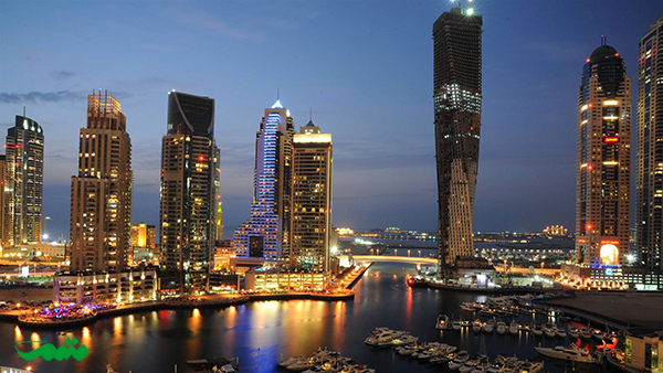 دوبی در شب