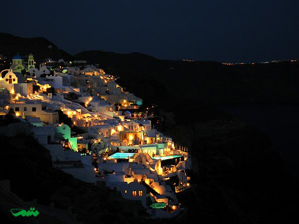 جزیره سانتورینی در یونان در شب