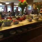 دن اریلی و ماجرای خوردن در بوفه رستورانها