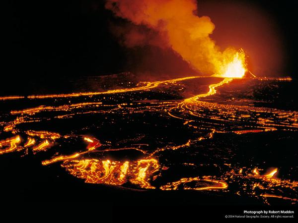 آتشفشان بر فراز جزیره هاوایی