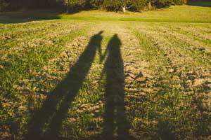مشکلات رابطه عاطفی ناشی از کمبود عزت نفس