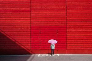 روانشناسی رنگ قرمز و اثرات رنگ قرمز بر روی احساس و رفتار ما
