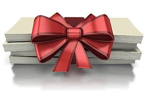 پول به عنوان هدیه تولد کودک