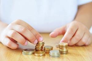 سواد مالی و مهارتهای پولی کودکان