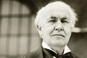 ادیسون در تلاش برای گوش دادن به صدای ارواح