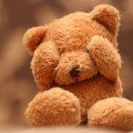 خجالتی بودن چیست و چه تفاوتی با درونگرایی دارد؟