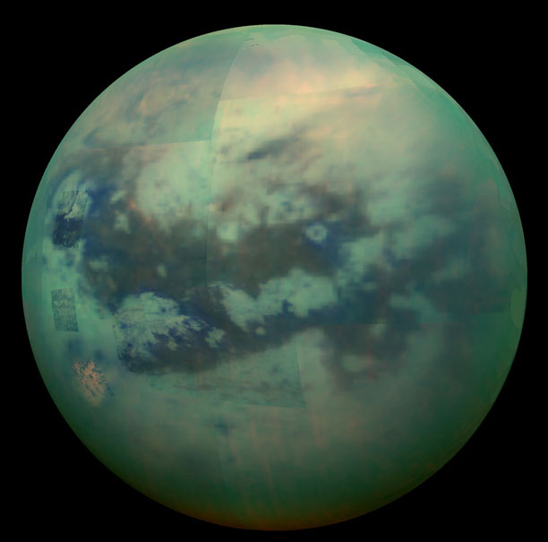 عکس قمر تایتان سیاره زحل