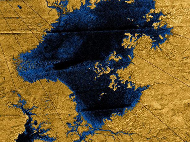 تایتان قمر زحل