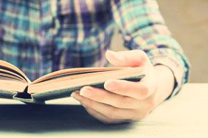 چگونه مانند نویسندگان بخوانیم
