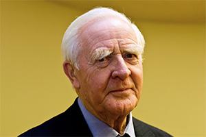 ژان لوکاره - جان لوکاره - نویسنده داستان های جاسوسی