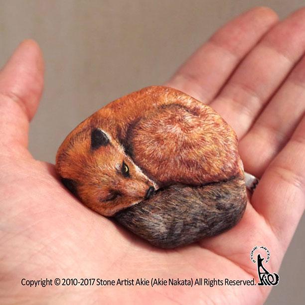 نقاشی از حیوانات بر روی سنگ - کاردستی با سنگ