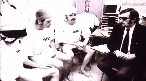 فیلیپ زیمباردو در آزمایش زندان استنفورد