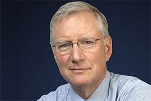 تام پیترز - نویسنده کتاب در جستجوی برتری