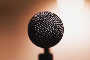 استرس سخنرانی را چگونه کاهش دهیم