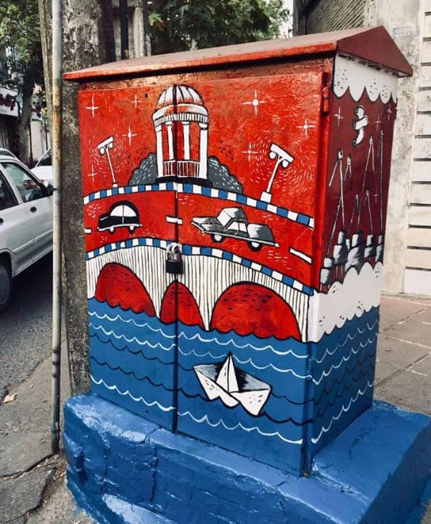 نقاشی های پریسا صادقی روی کیوسک های برق