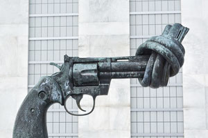 رابطه خشونت و حریم شخصی