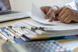 برای اینکه بدانیم چگونه گزارش بنویسیم باید با ساختار گزارش آشنا باشیم
